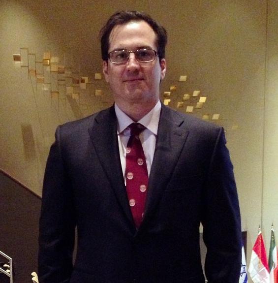 Rick Latona graduated from Harvard Business School.